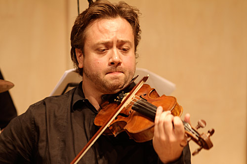 Richard Keuneman on violin
