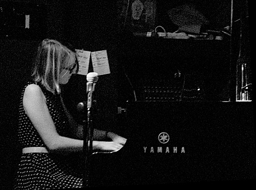 Nat Bartsch  with her trio