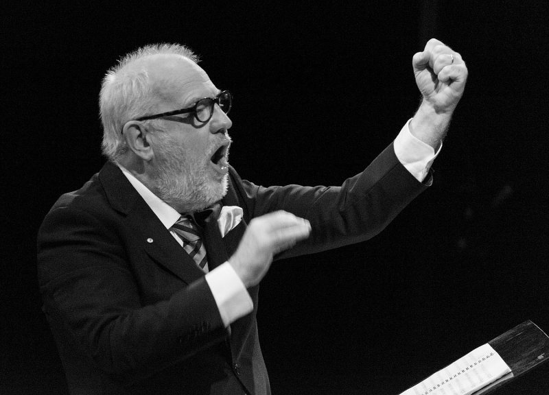 Paul Grabowsky conducts The Monash Art Ensemble and the Young Wagilak Group in Nyilpidgi